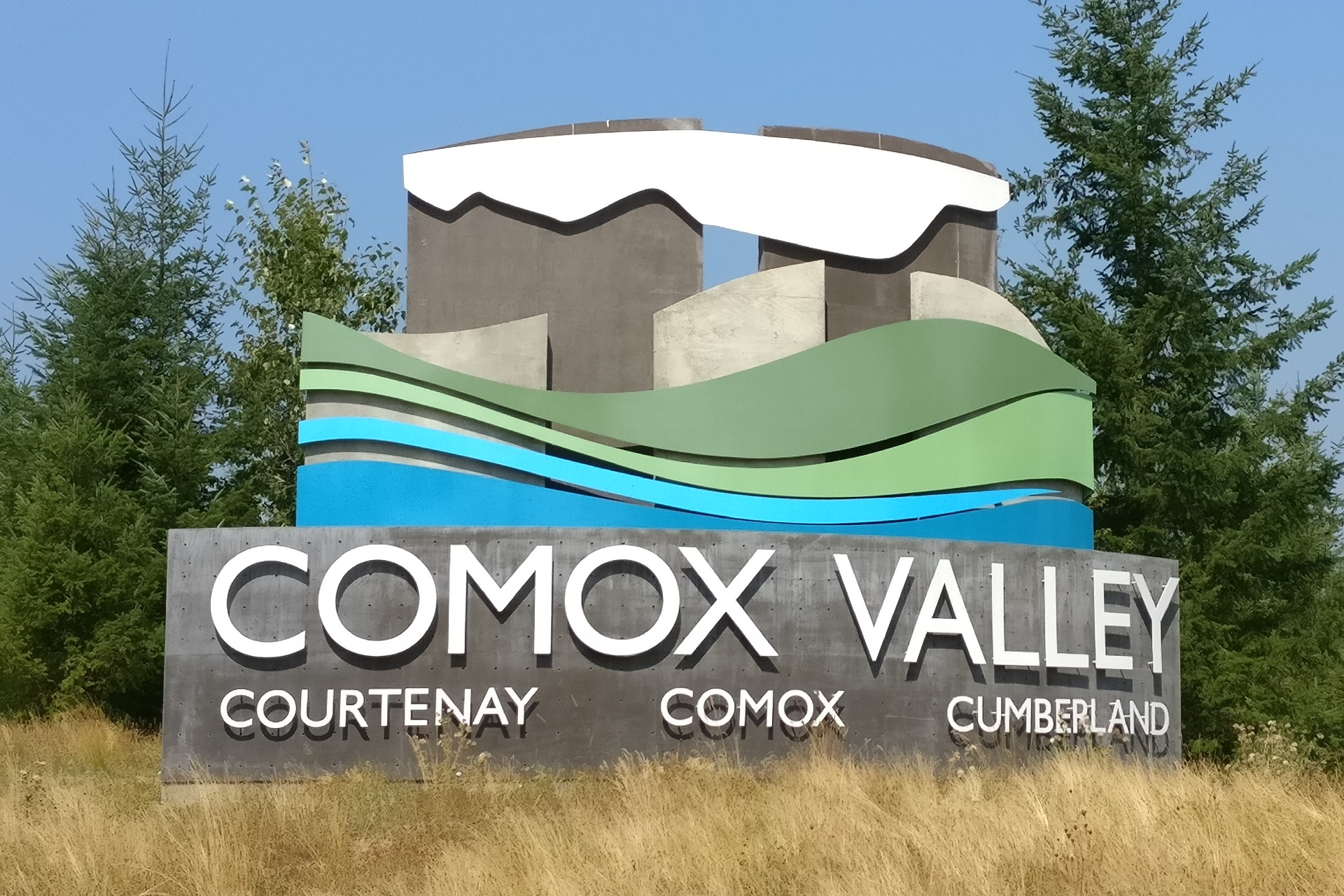 Comox Valley welcome sign